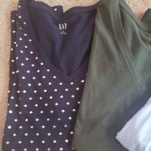 3 brand new Gap Tshirts